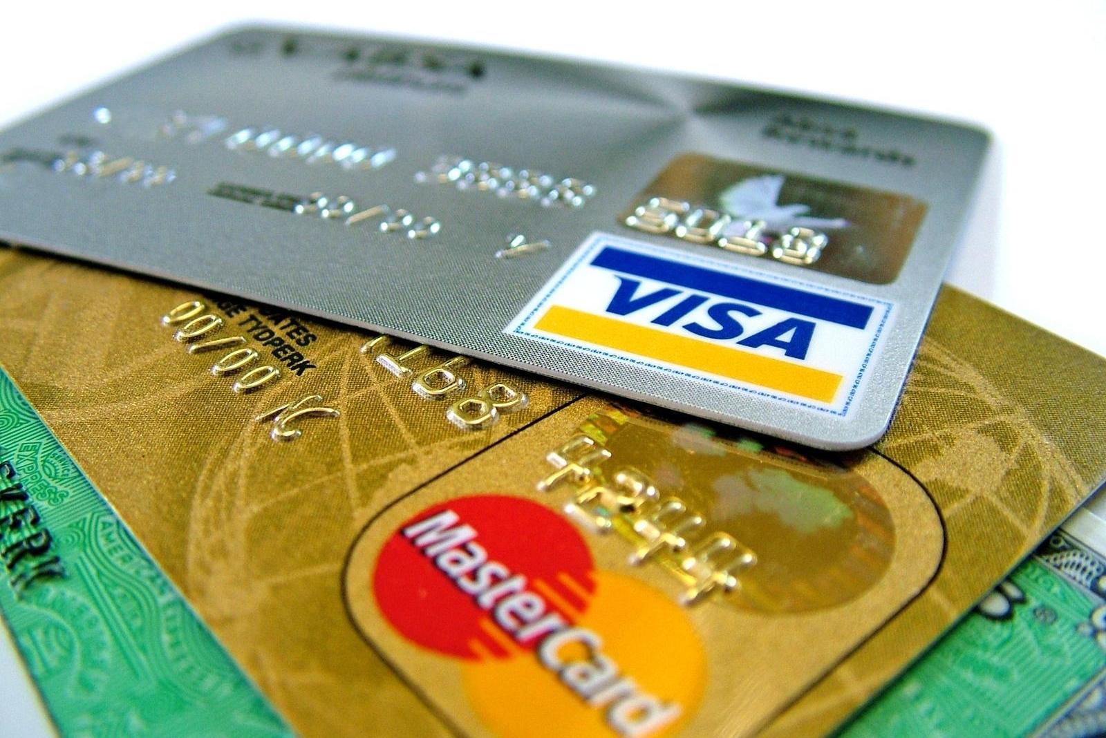 1507557184 1497883307 visa mastercard