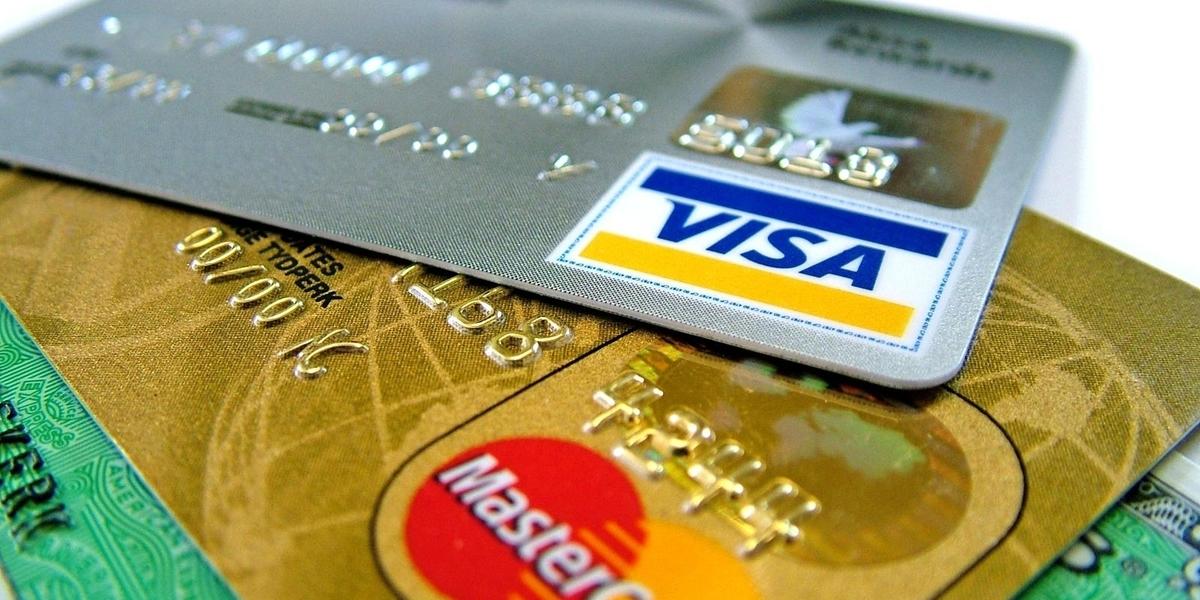 Cover 1507557184 1497883307 visa mastercard