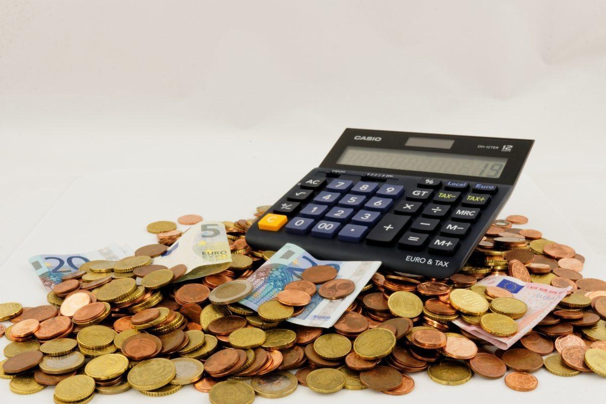 1507557213 1497882324 euro seem money finance piggy bank save cent coins 707122